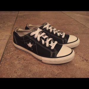Converse One Star Low Top